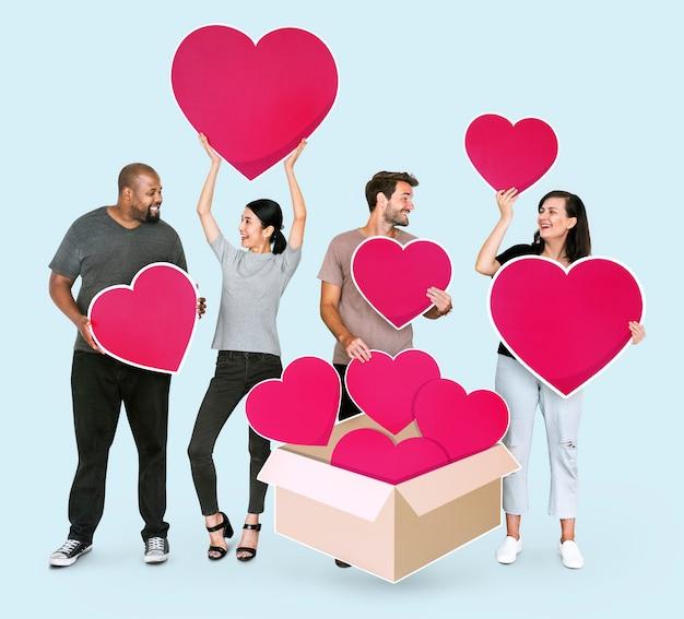 自分の愛を共有する多様な人々