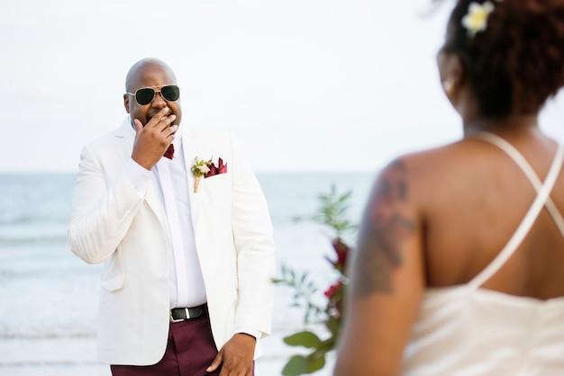アフリカ系アメリカ人カップルの結婚式の日