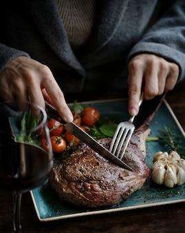 ラムチョップ食品写真レシピレシピのアイデアのクローズアップ