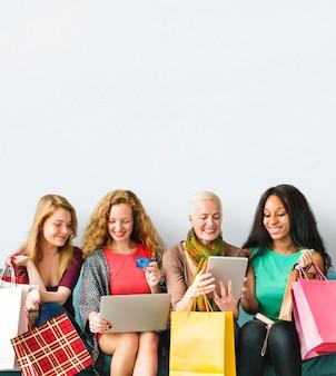 女の子の友情一体オンラインショッピングのコンセプト