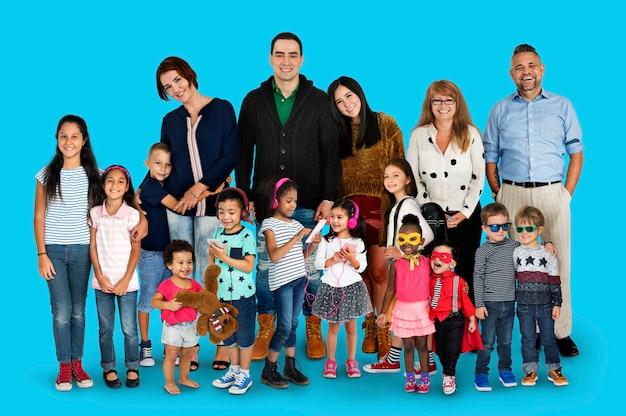 多様性人家族一緒に愛スタジオポートレート