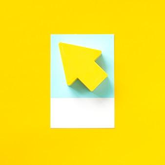 黄色の矢印のペーパークラフトアート