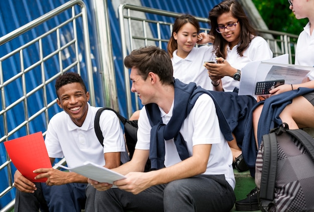 Концепция счастья друзей разнообразия студентов