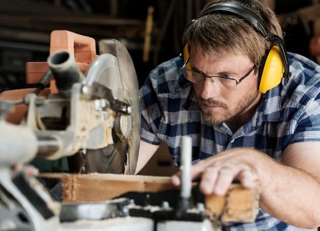 職人の木材の取り扱い