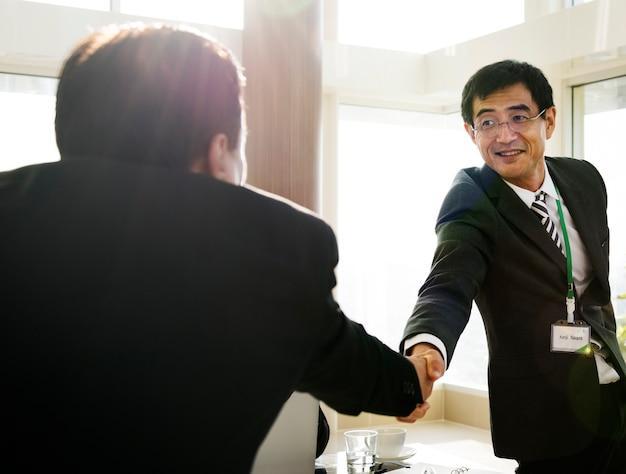 Соглашение о рукопожатии