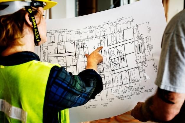 建設チームと現場の青写真