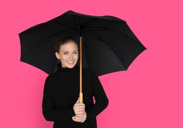 女性の笑顔幸せ傘肖像画のコンセプト