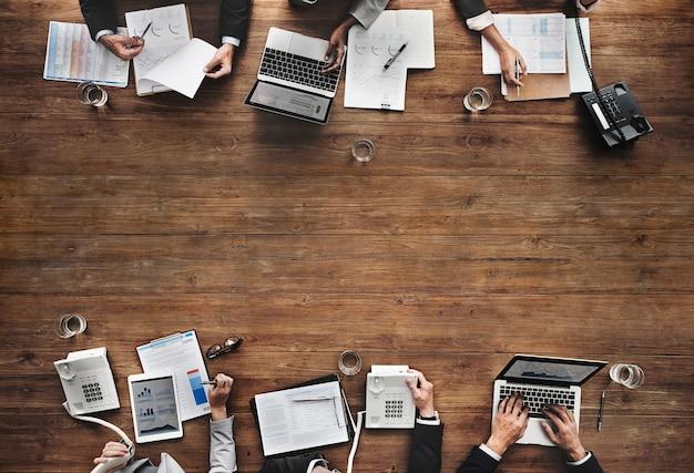 ビジネスチーム会議ワーキングマーケティングコンセプト