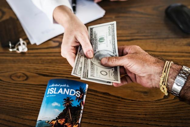旅行の支払い