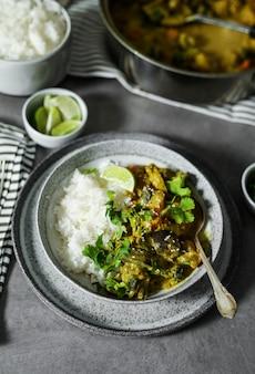 ご飯とビーガン野菜カレー