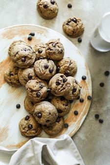 自家製ビーガンチョコレートチップクッキー