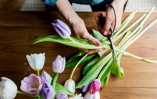 Композиция из свежих тюльпанов