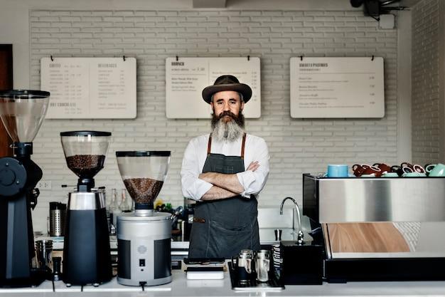 コーヒーカフェプロフェッショナルスチームユニフォームアプライアンスのコンセプト