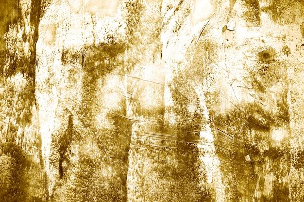 Золотая цементная стена