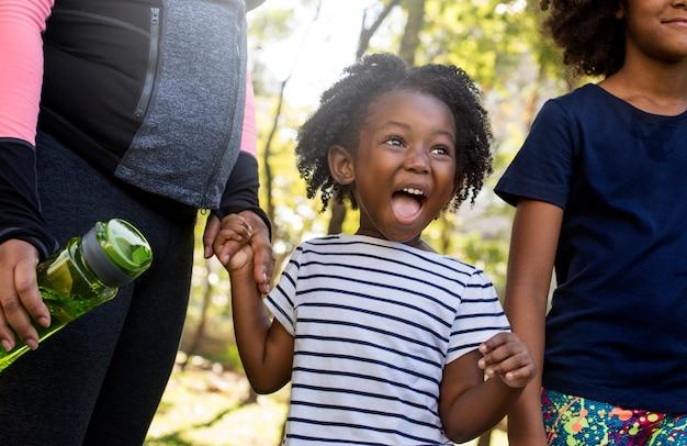 元気な若いアフリカの子供