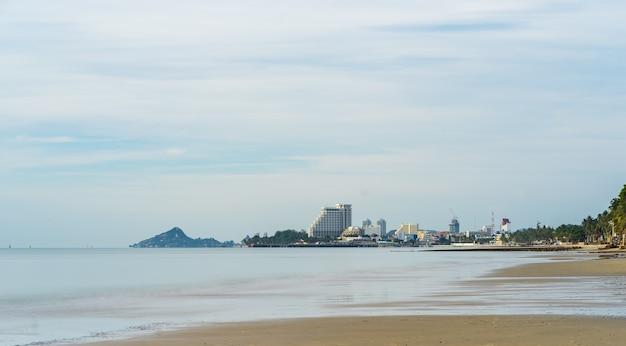 ホアヒン市のビーチ、タイの朝