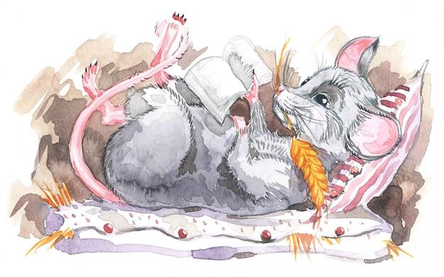 本イラストの山に座っている小さな灰色のマウス