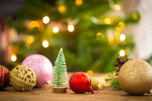 クリスマス装飾家のテーマ。
