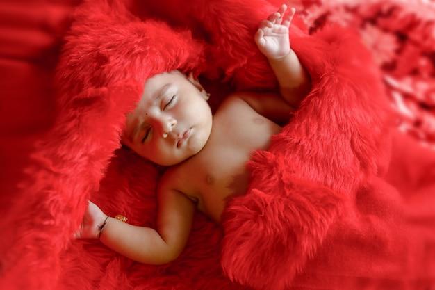 かわいい女の赤ちゃん