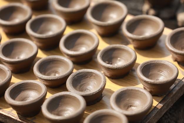 粘土ランプを作る、ディワリ祭