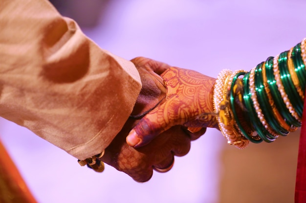 Жених и невеста, индийская свадьба