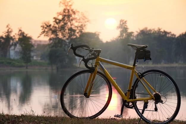 夕日とサイクル
