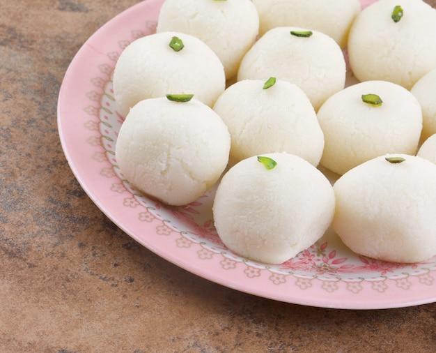 インドの甘いラスグラ