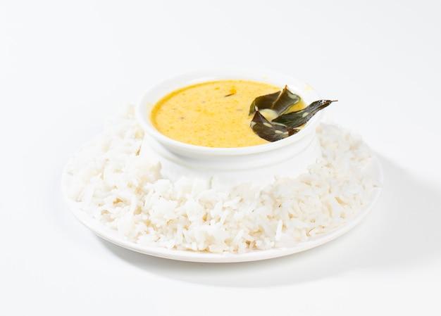 インドの伝統料理カディチャワル