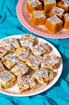 Индийские сладкие продукты без сахара и сухофруктов с мунг даль чакки
