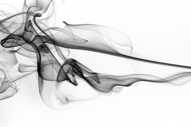 白い背景、火のデザインに黒い煙抽象