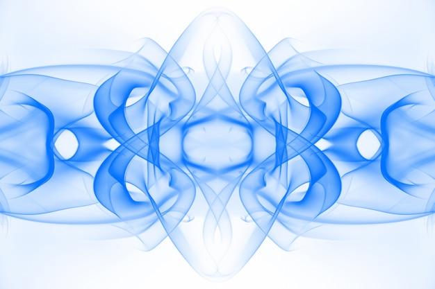 Искусство голубого дыма на белом фоне