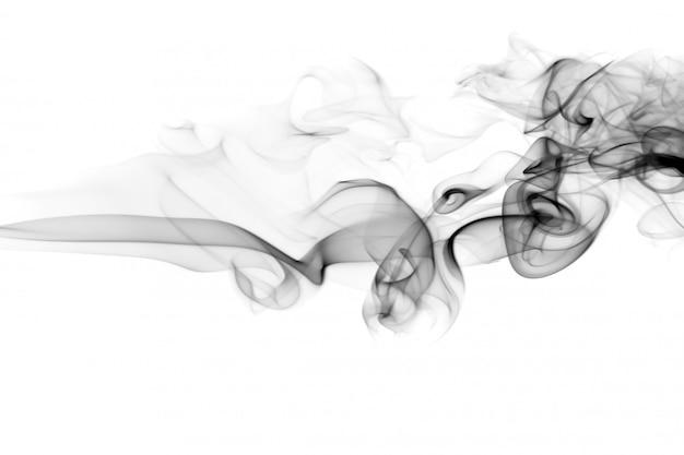 Огонь черного дыма на белом фоне