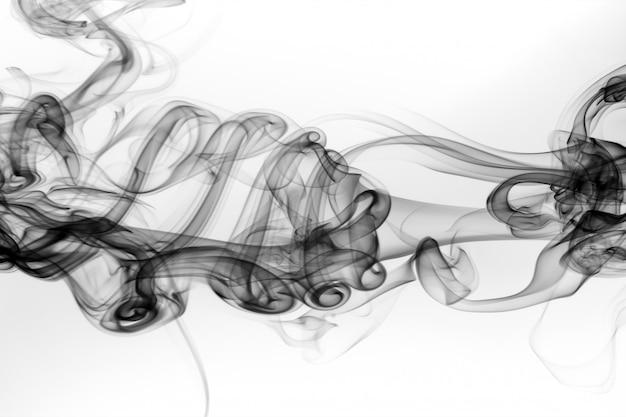 白い背景に黒い煙抽象火災