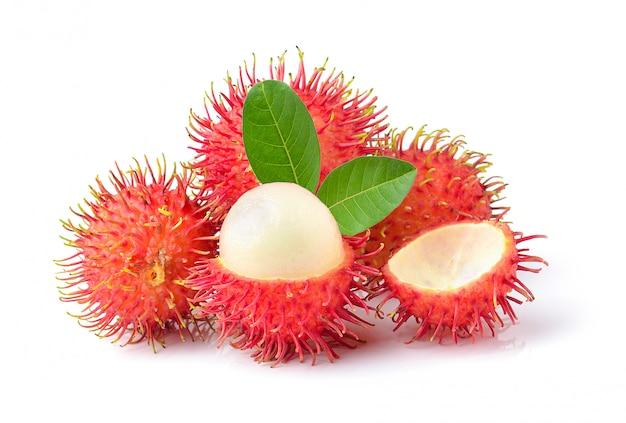 Рамбутан сладкий вкусный фрукт изолированные