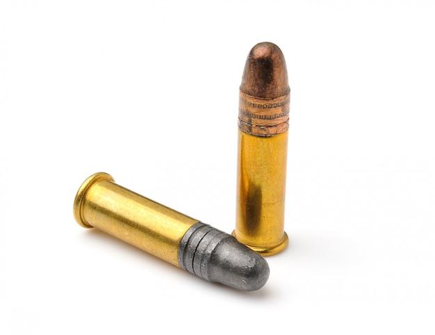 Пуля на белом фоне