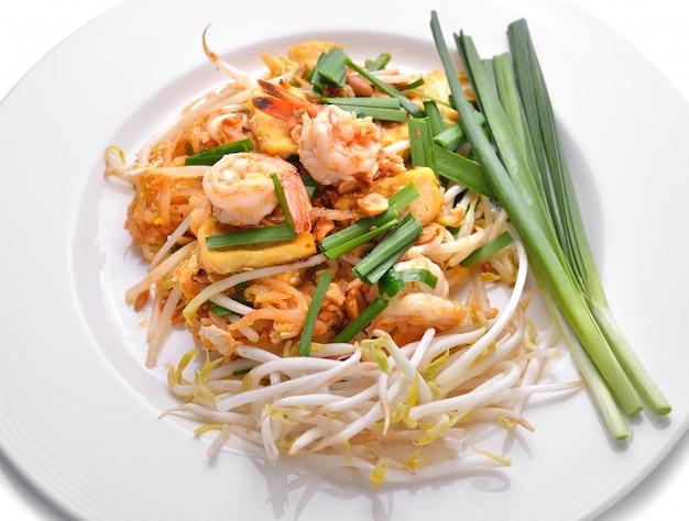 タイ料理パッドタイ、海老入り焼きそば