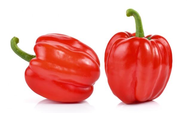 Красный перец на белом фоне