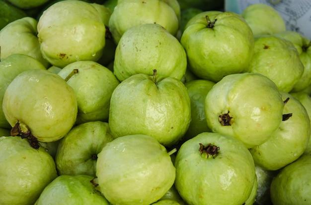新鮮なグアバ果実