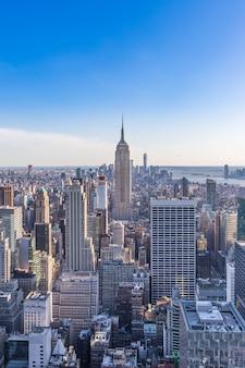 エンパイアステートビルディングマンハッタン米国とニューヨーク市のスカイライン