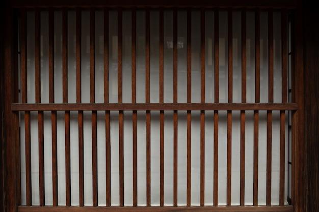 Деревянная стена окна и старый дом в японии