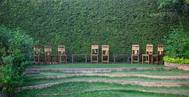 イベントパーティーや結婚式のお祝いのための美しいテーブルセッティング
