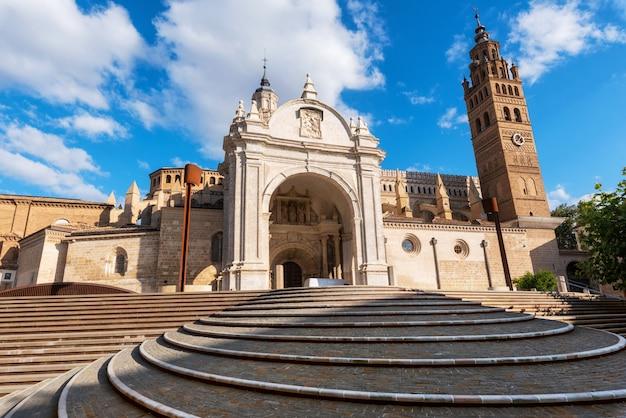 Кафедральный собор в таразоне в испании
