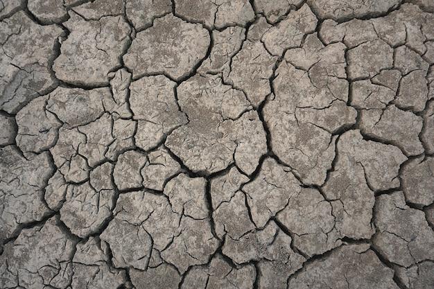 トップビューひび割れ地面干ばつシーズン
