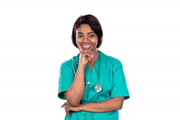 Африканский доктор в зеленой форме
