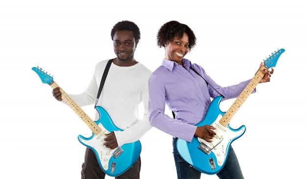 Пара с электрической гитарой