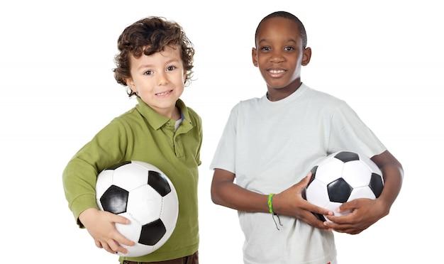 Дети с футбольным мячом