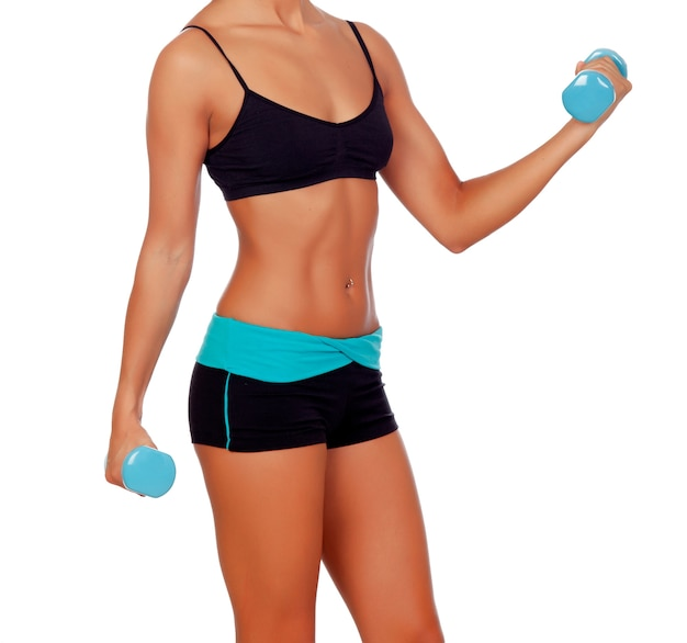 ダンベル付きの女性の筋肉の体