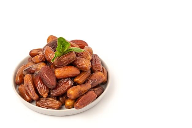 Финики с мятой для рамадана