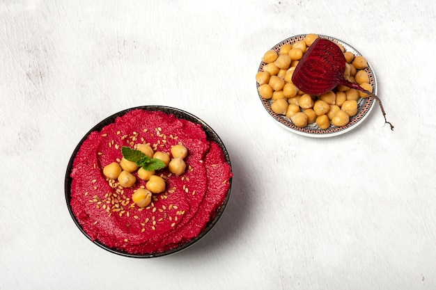 ひよこ豆と自家製赤ビートフムス