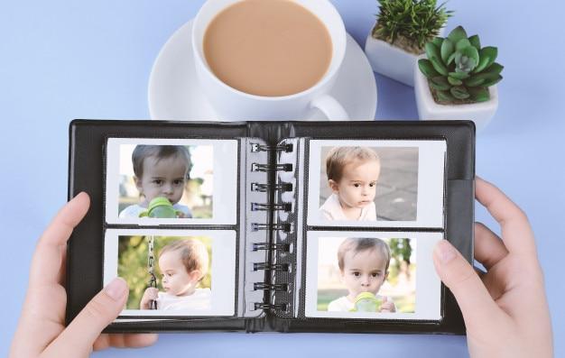 赤ちゃんの瞬間写真付きフォトアルバム